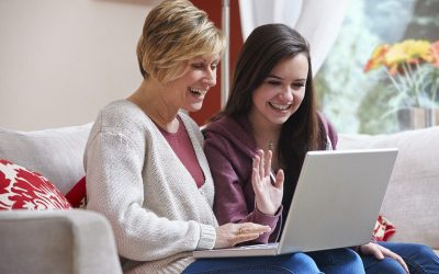 5 Tips for Keeping Your Teen Safe Online this Summer