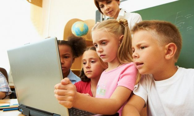 4 ways educators and parents can use tech this school year